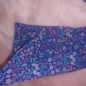 Sale 💰 Arizona cold shoulder lace up floral top